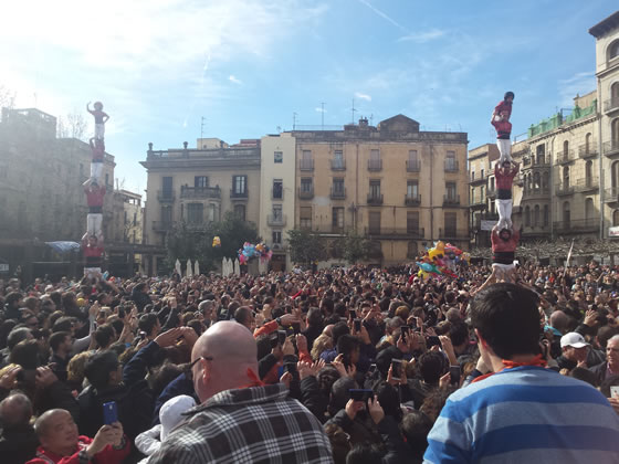 Aspecto de la Plaça del Pati durante la Fiesta de la Calçotada 2016