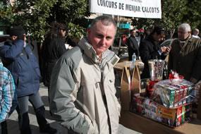 Jaume Papió, de Reus.  Ganador de la mota más grande, con 19 calçots.