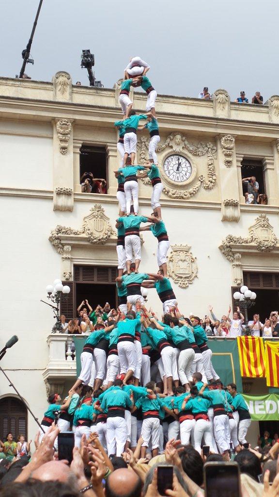 3 de 10 con forro y manillas de los Castellers de Vilafranca