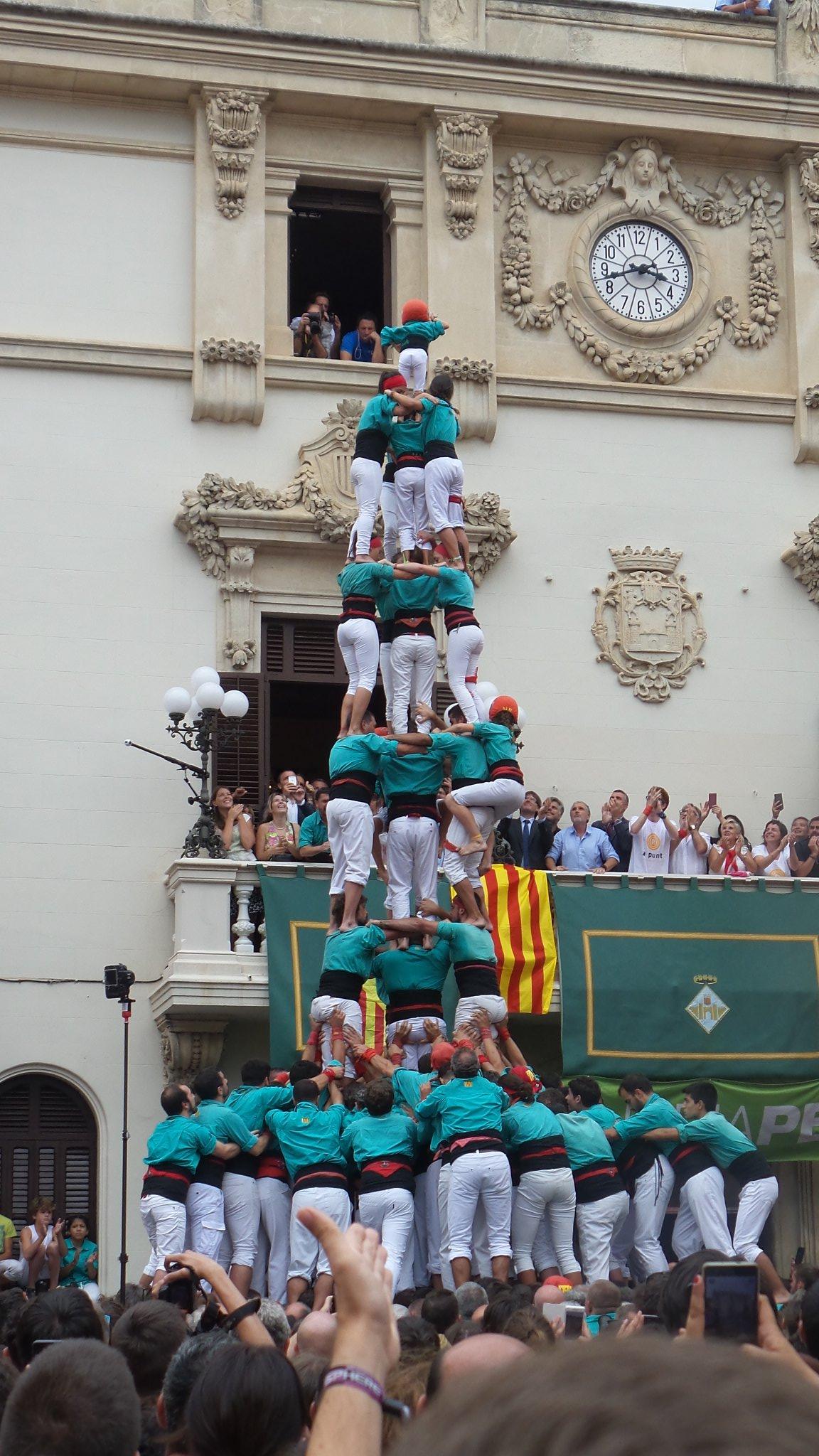 3 de 9 con forro y pilar de los Castellers de Vilafranca